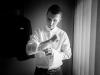 przygotowania-u-Pana-Młodego-tatuaż-czarno-białe-fotograf-Bapacifoto-Tarnów