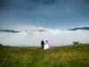 cudowna-sesja-ślubna-w-górach-mgła-para-młoda-fotograf-Tarnów-fotograf-ślubny-Tuchów